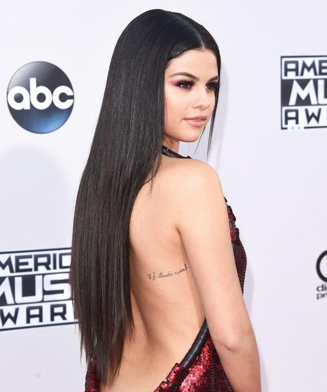 New Hairdo At Ama Selena Gomez S Sleek Long Hair Extension At