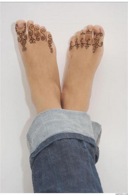 Henna Tattoo Designs Cute Arabic Feet Mehndi Designs Cute Henna Designs Mehndi Designs Simple Mehndi Designs