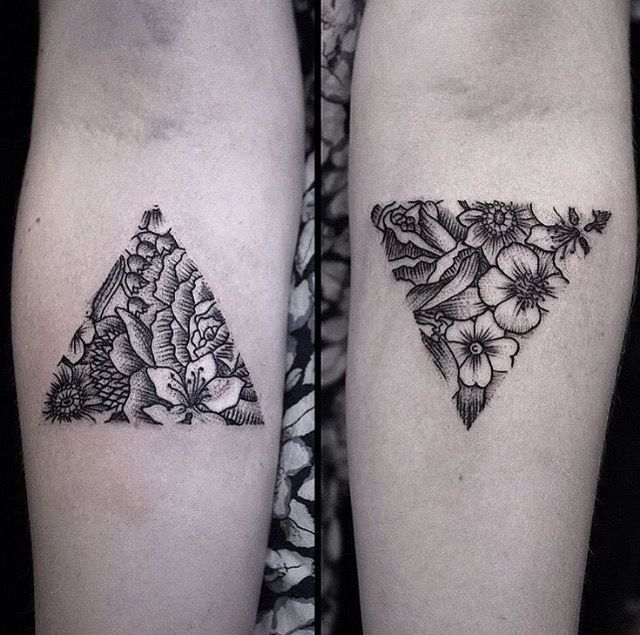 By Luci Tattoos Triangle Flowers Ink Pinterest Tatouage