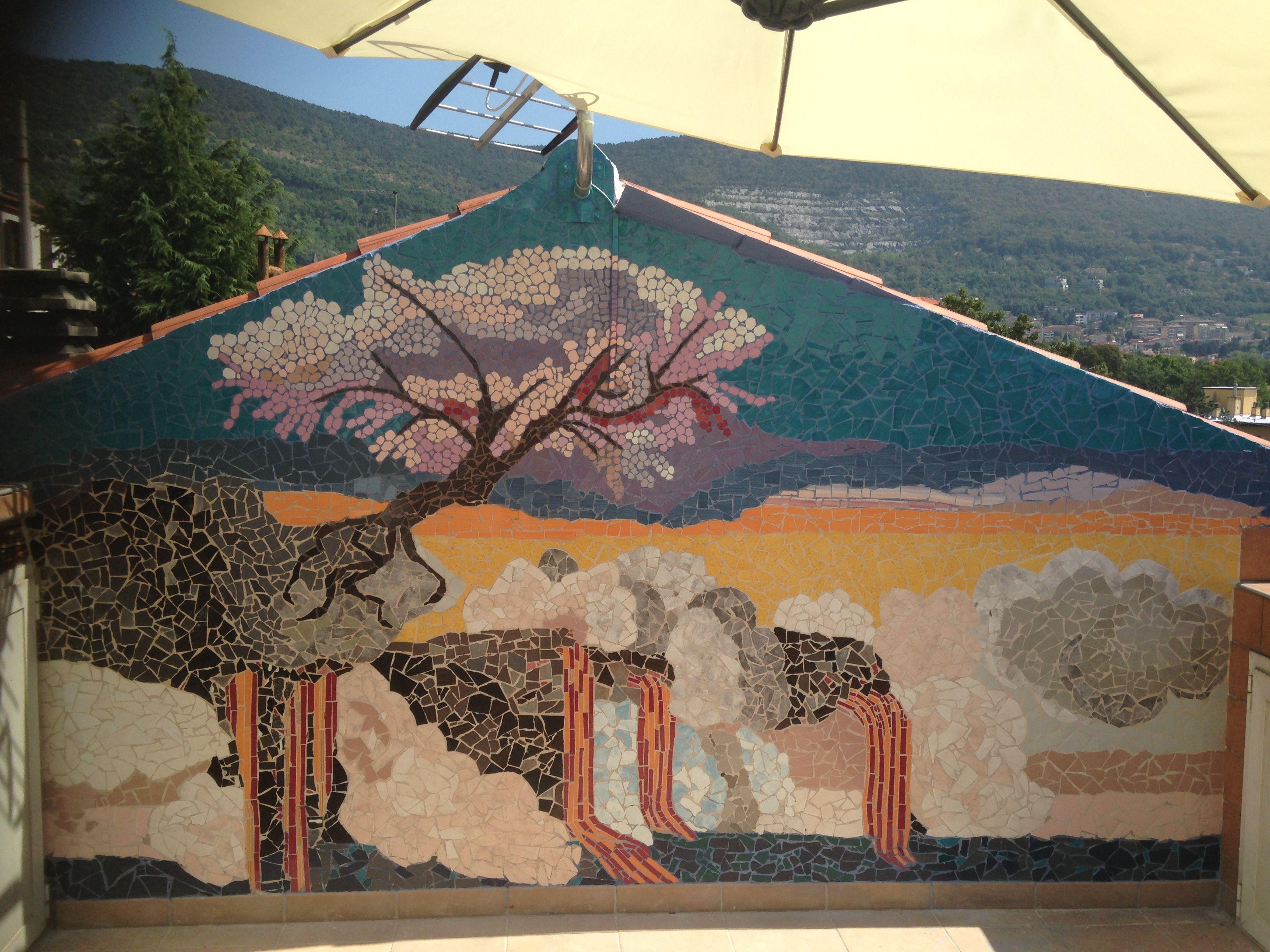 Mosaico murale con piastrelle rotte cartoleria diemme pinterest