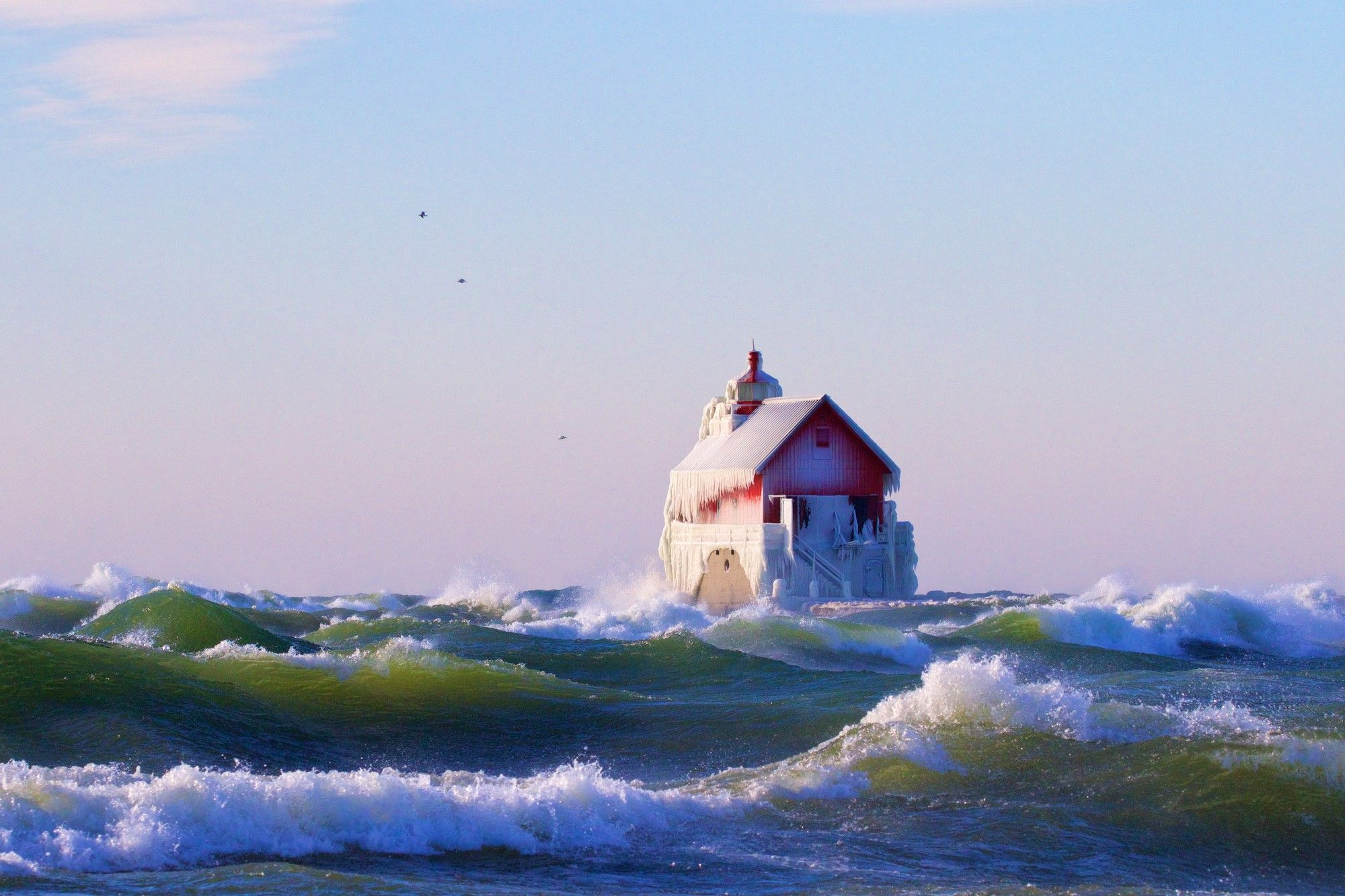 Freezing Temperature Turns Lighthouse Into Enchanting