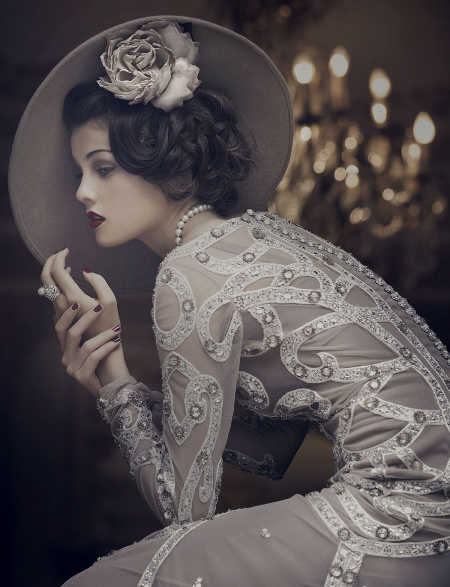 great gatsby inspired wedding hair and makeup  Wedding dresses and