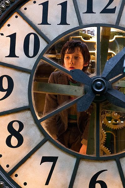The Invention of Hugo Cabret Amazing Movie:) | Hugo cabret, Asa  butterfield, Movies