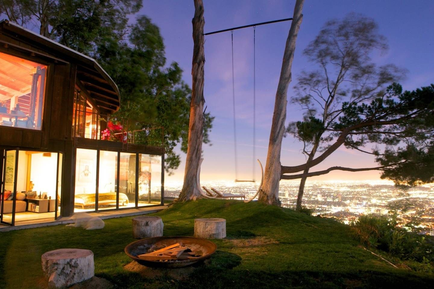 Tree House With 360 Views Of L A Houses For Rent In Los Angeles California United States With Images Airbnb California California Vacation Renting A House