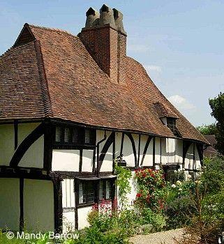 Best Tudor Homes Of The Rich Tudor House English House 400 x 300