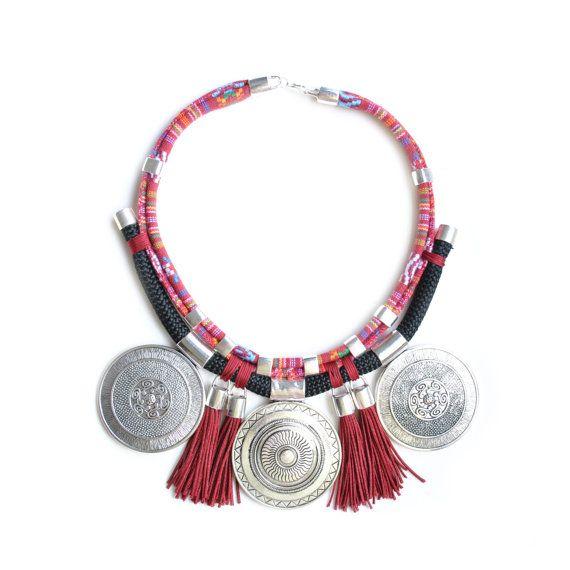 Collar etnico   Collar tribal   Collar de cuero y cuerda   Collar de borlas   Collar boho   Collar con medallones etnico