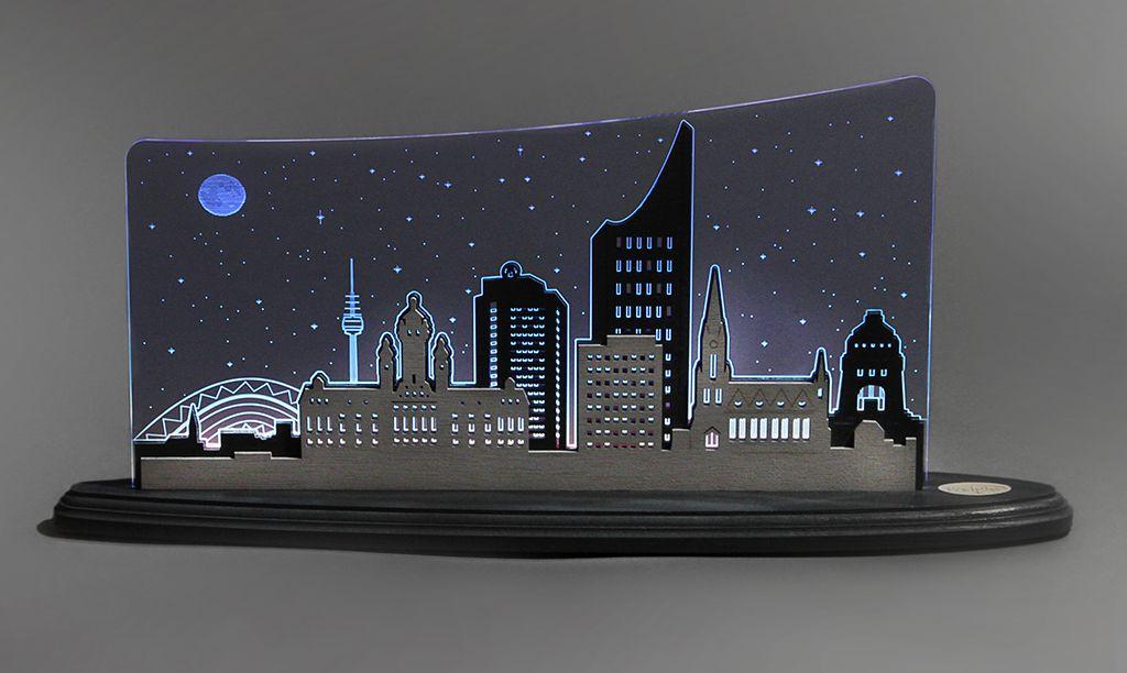 """Für Einheimische und Liebhaber: tolle Motivleuchte mit Panorama der Stadt von """"Faust"""""""