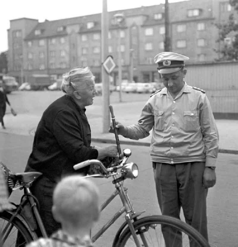 Rostock Ddr Fahrradunfall 1966 Zeitreise Rostock Ddr Alte