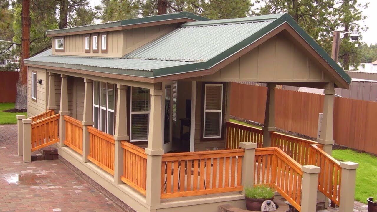 Luxury Park Model For 4 Adults Comfortably At Crown Villa Rv Resort Park Model Homes Luxury Mobile Homes Model Homes