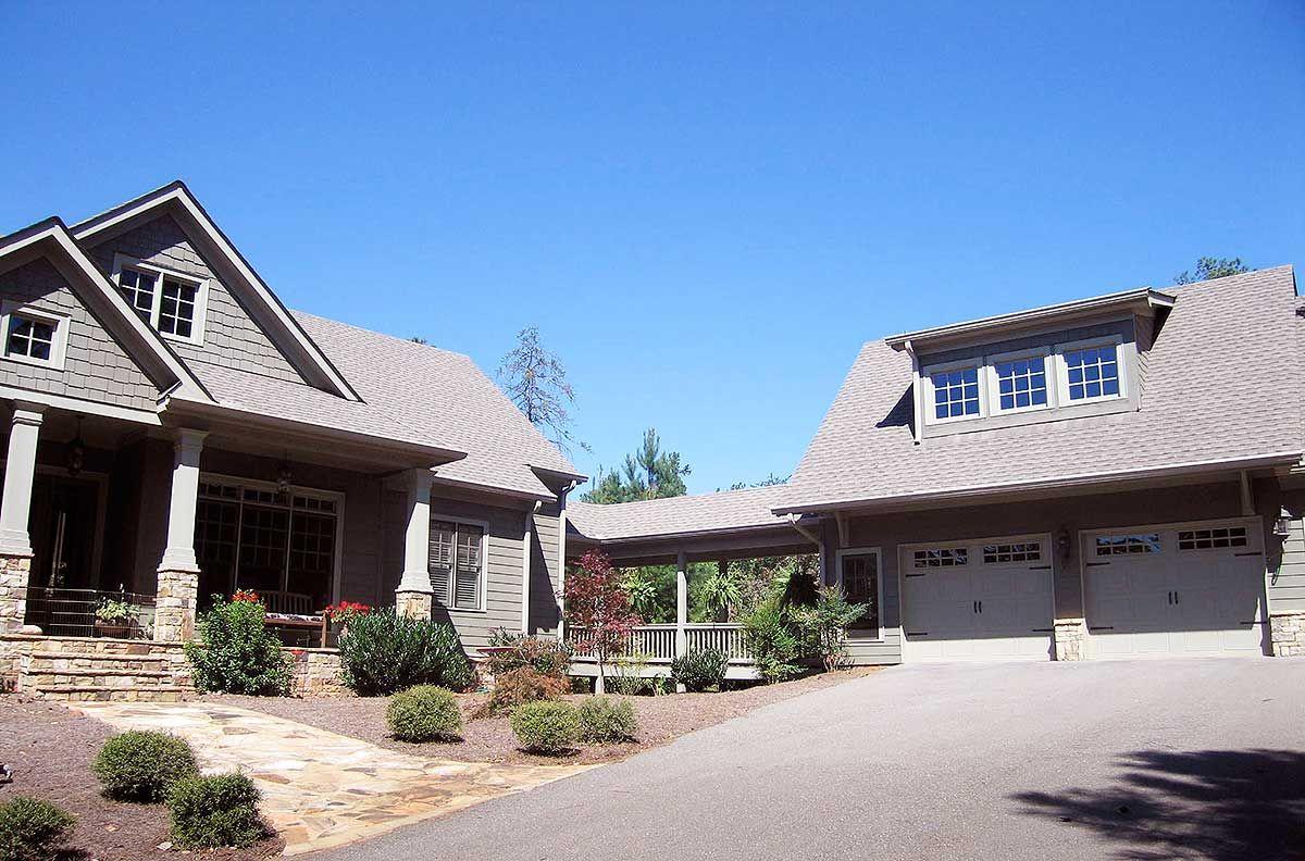 Plan 29826rl Mountain Home Plan With Garage And Bonus Level Carriage House Plans Mountain House Plans Cottage Plan