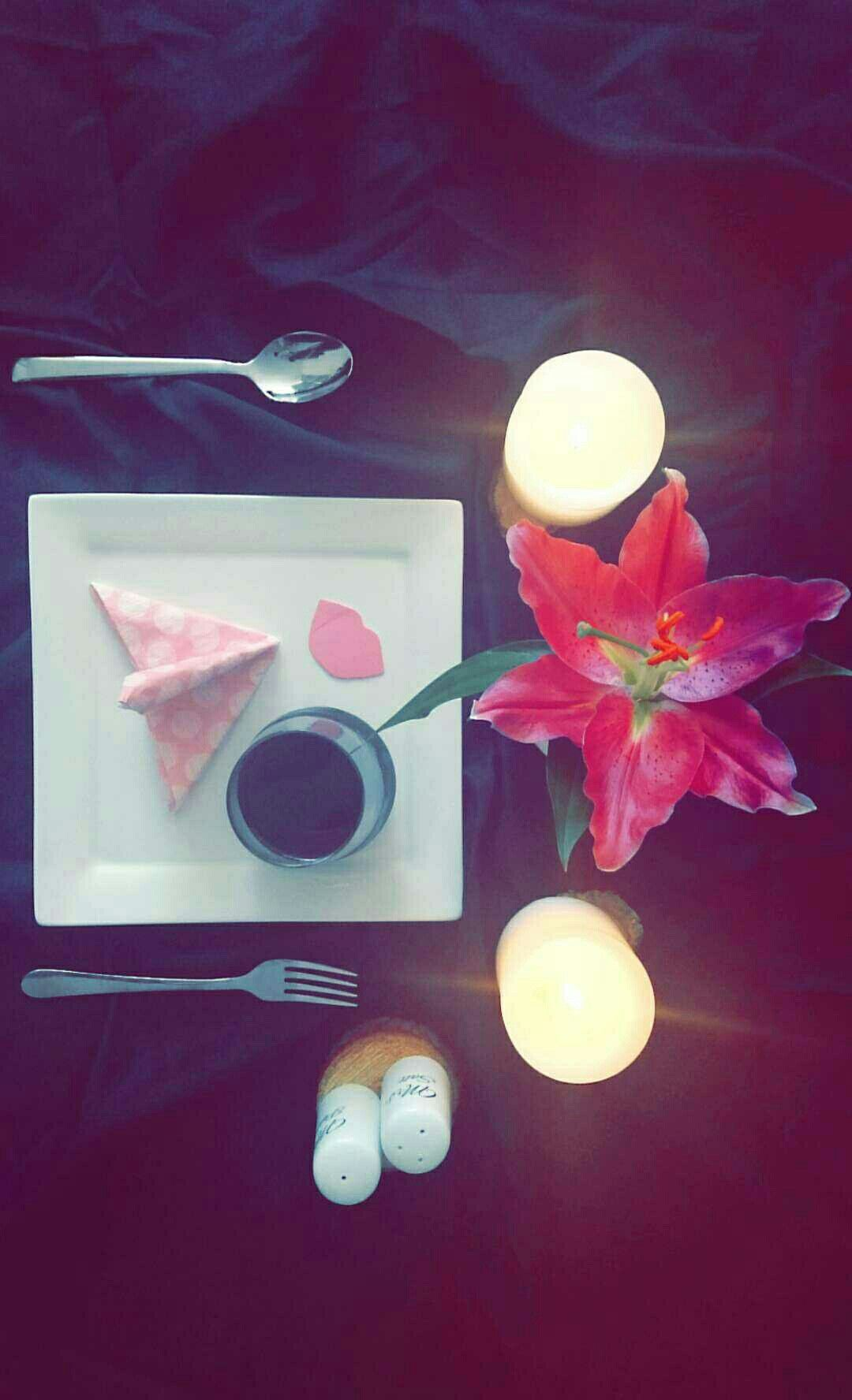 Simple dinner table