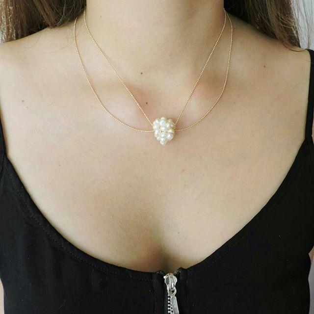 ae4e913fdcd9 Collar Mujer Sencilla con cadena doble de oro gold-filled con dije tejido de  perlas