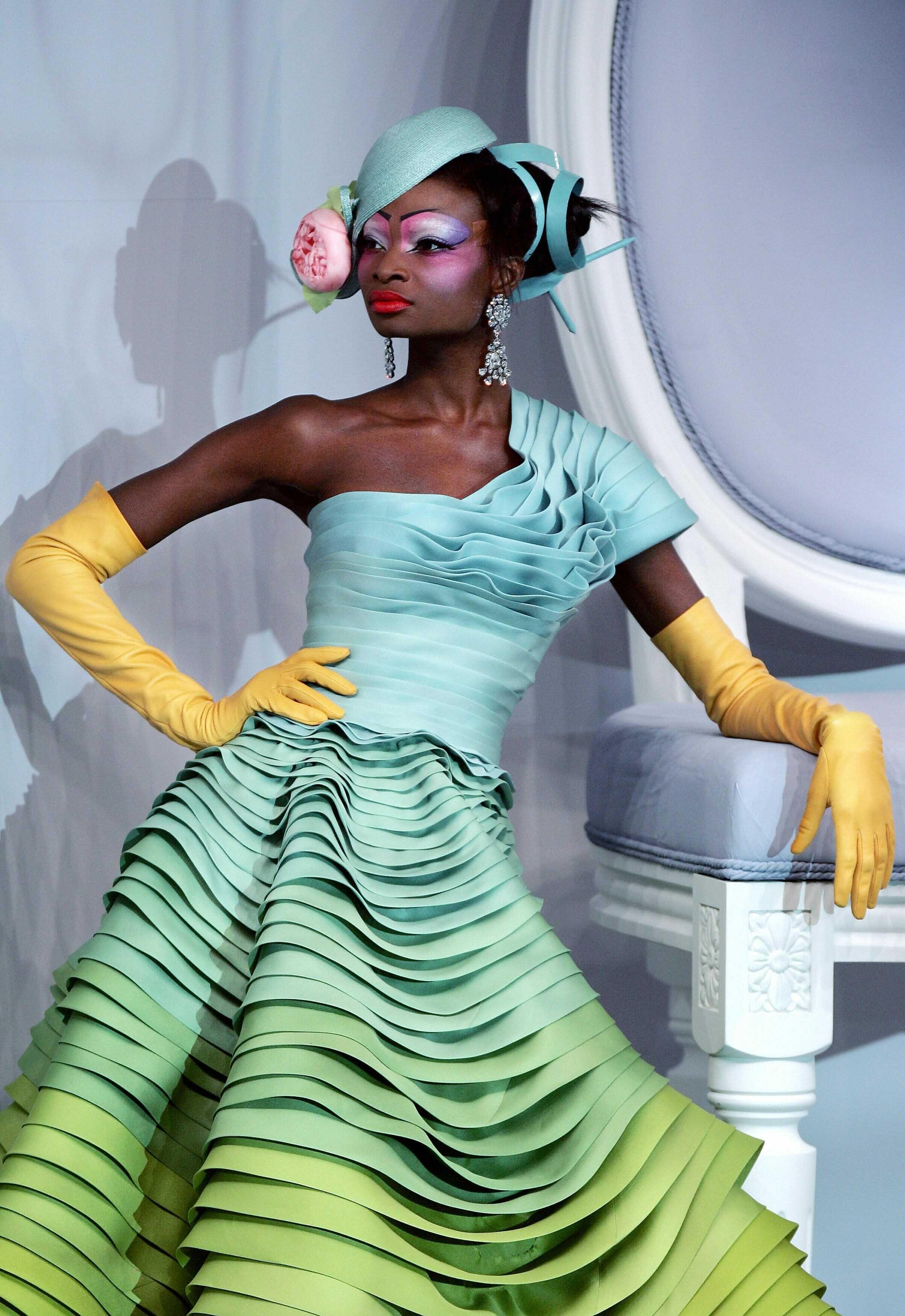 Haute Flash Christian Dior Haute Couture Spring 2007 Fashion Gowns Maxi Dresses Fall Spring Maxi Dress [ 3500 x 2407 Pixel ]