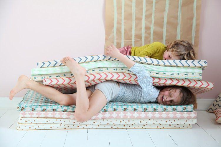 r p re des belettes nursery kids decor pinterest kids rooms room and reading nooks. Black Bedroom Furniture Sets. Home Design Ideas