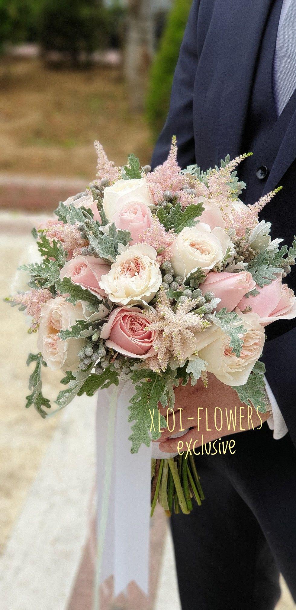 Ρομαντική νυφική ανθοδέσμη με ροζ μεταξένιες αποχρώσεις...