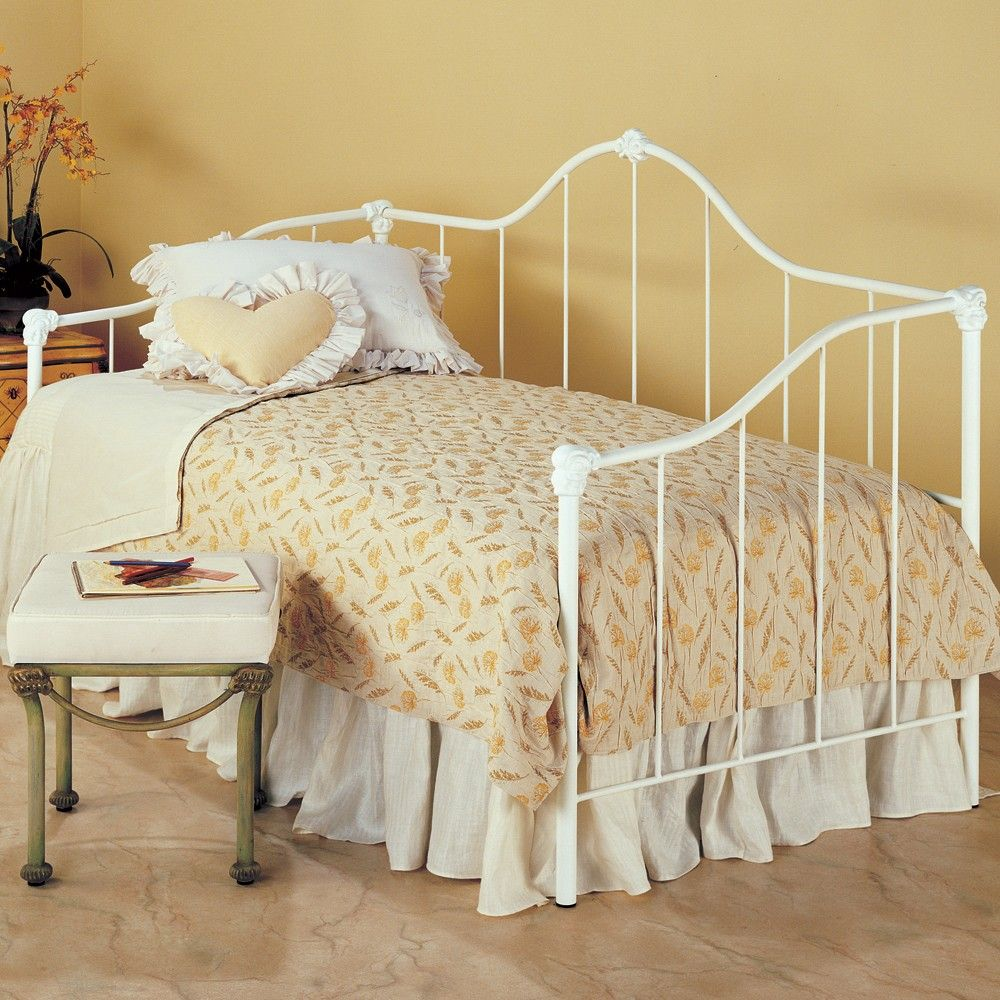 Saratoga Iron Daybed By Wesley Allen Matte White Finish Daybed