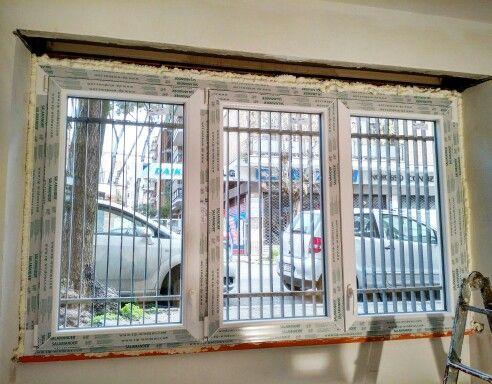 Nuovi infissi in pvc con profilo salamander e vetri specchiati oscuranti finestre finestra - Rima con finestra ...