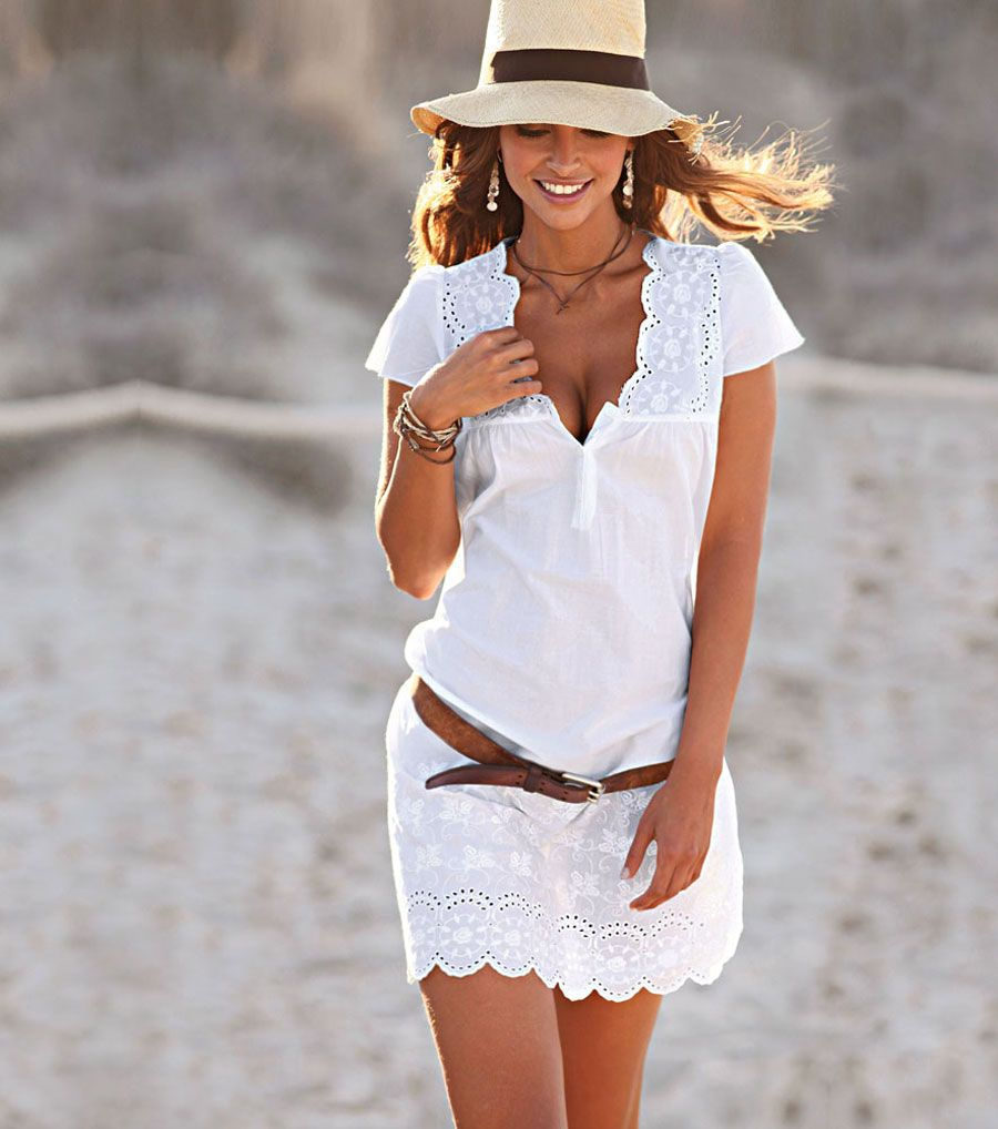 Vestido blanco corto con minimanga bordado Fashion beach