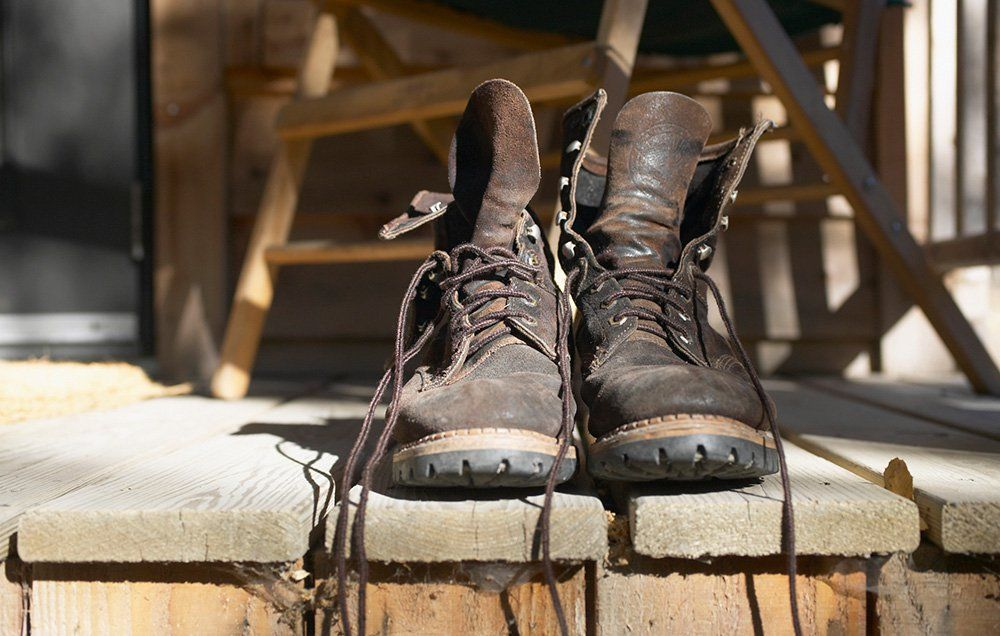how to clean leather boots that smell