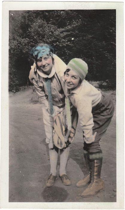 Anon., USA, ca. 1920s Snapshot, 5 x 3 ins.(13 x 7.5cm) © Fine Vernacular Photography