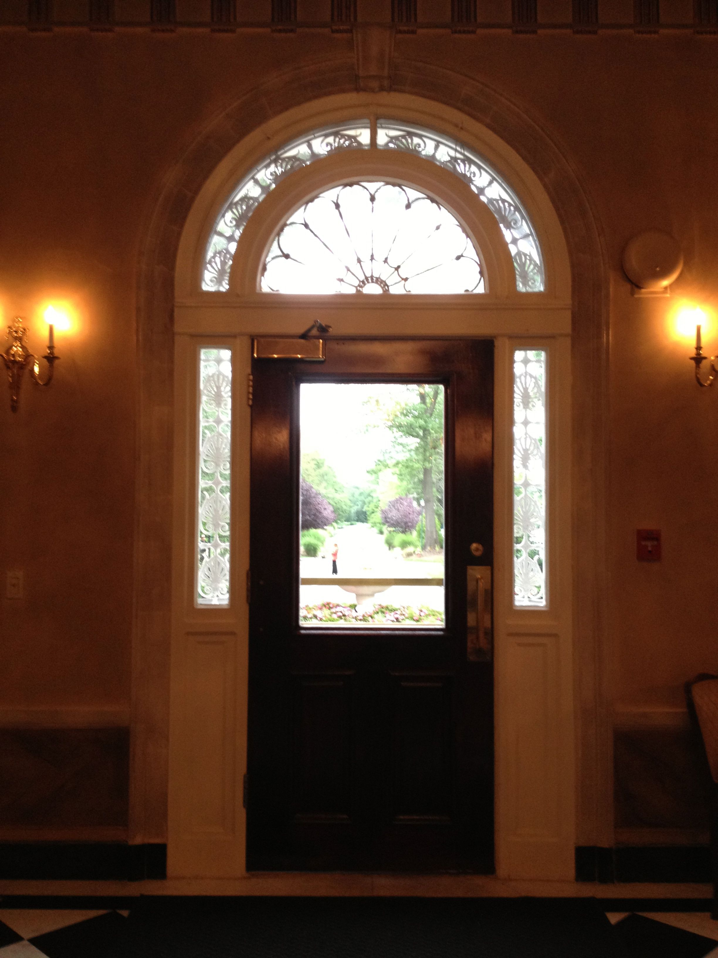 LOVE the doorway at The Woodlands at Woodbury, Woodbury, NY! Can\'t ...