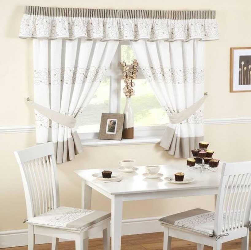 Tende per cucina classica con colore bianco e marrone tema combinare ...