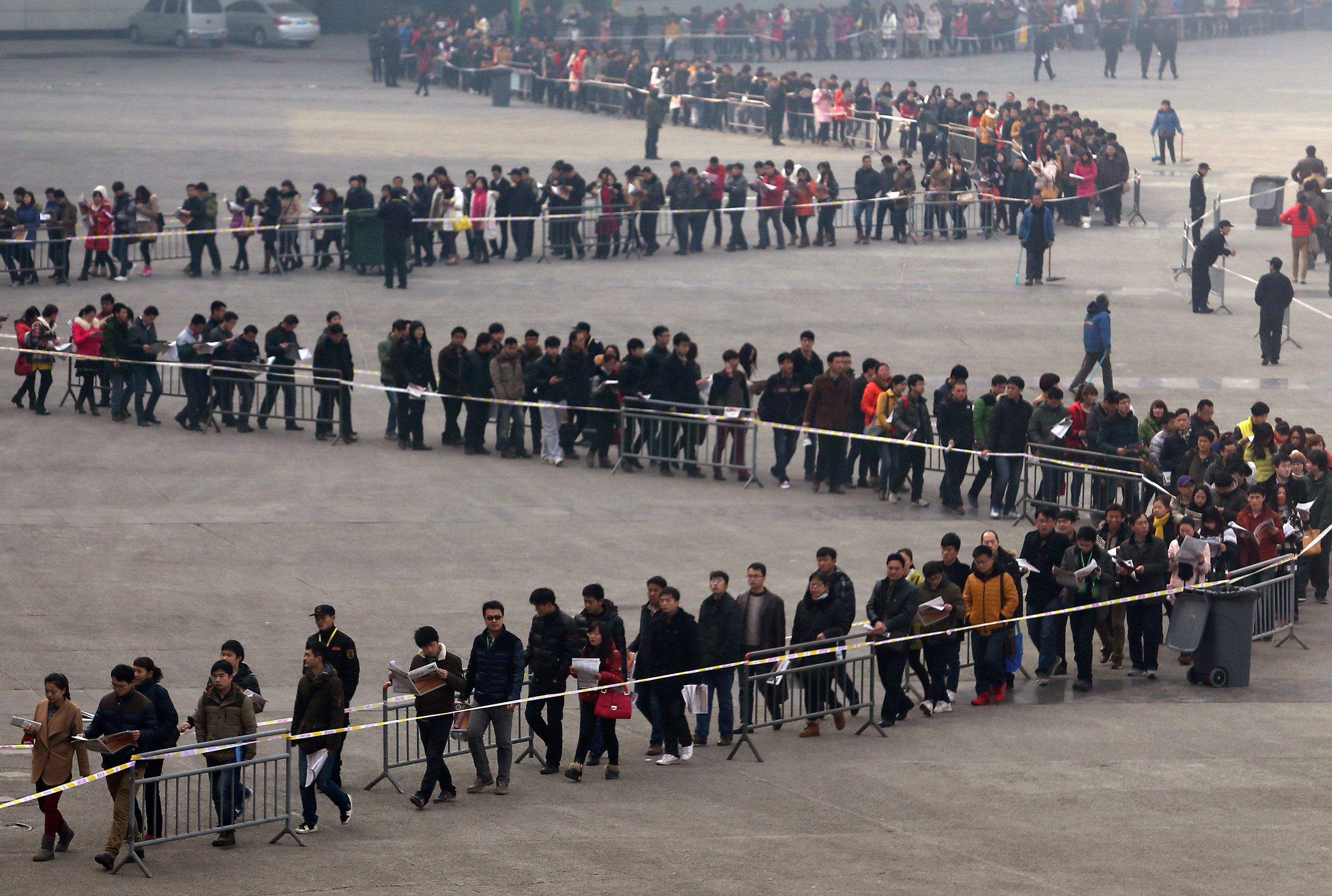 23 Shocking Photos That Show Just How Crowded China Has Become