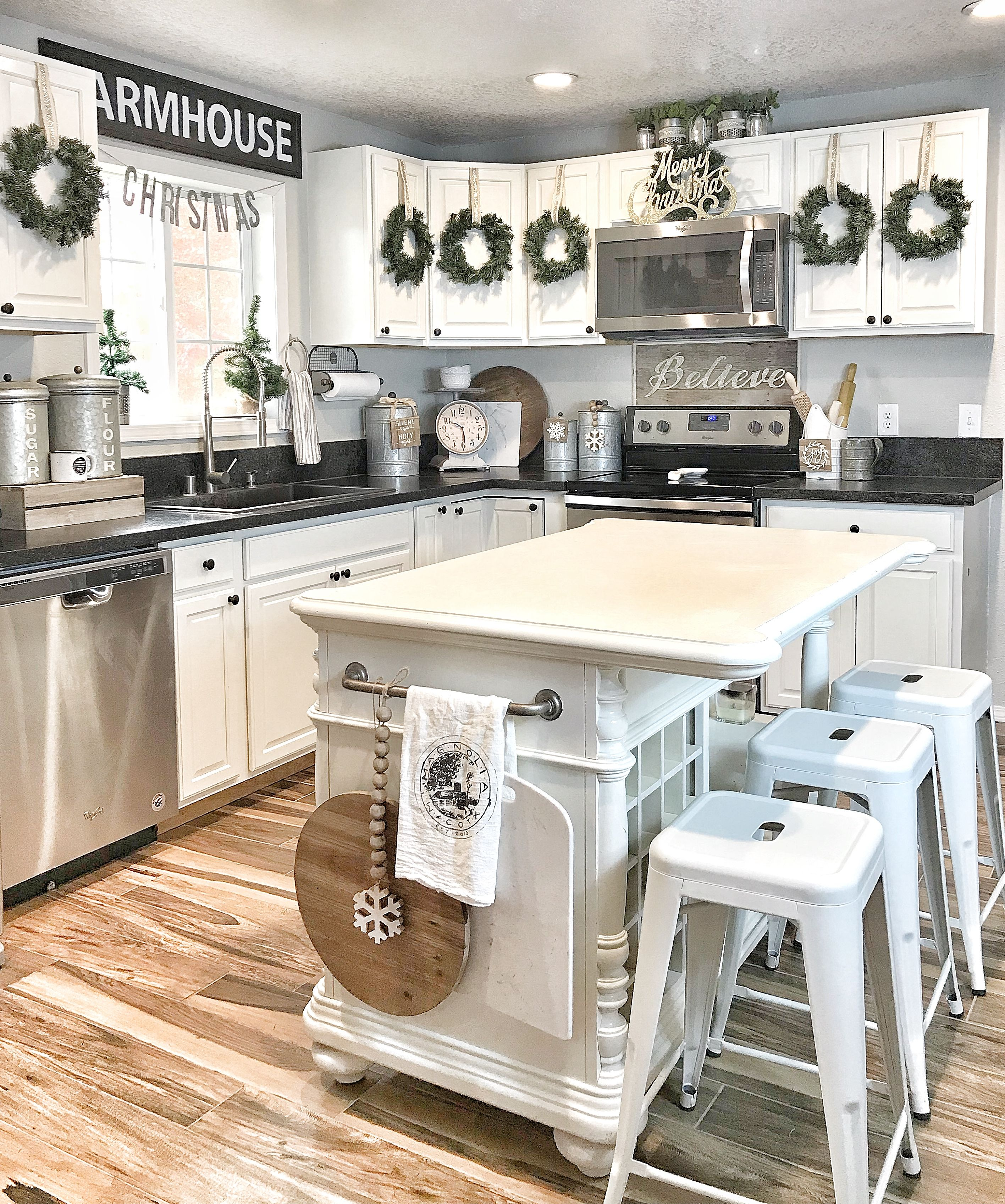 Kitchen Cabinet Christmas Decorating Ideas: Farmhouse Christmas Kitchen. Cabinet Door Wreaths. Make A
