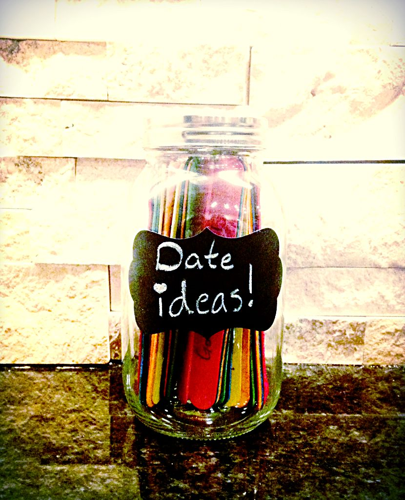 Cute Diy Gift For A Boyfriend Or Girlfriend A Mason Jar Filled With Popsicle Sticks That Have Fun Date Ideas On Them Doe Het Zelf Knutselen