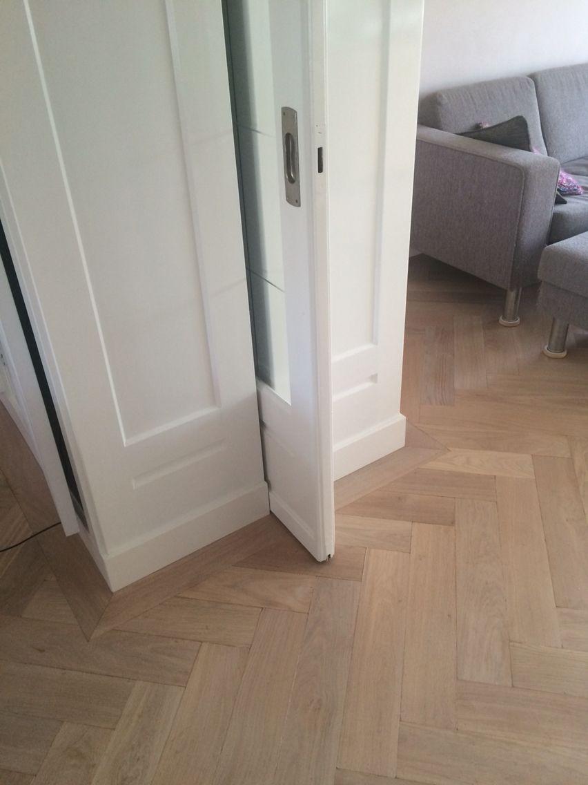 Visgraat parket in kamer en suite gelegd door parketspecialist gouda en suite vernieuwd door - Kamer parket ...