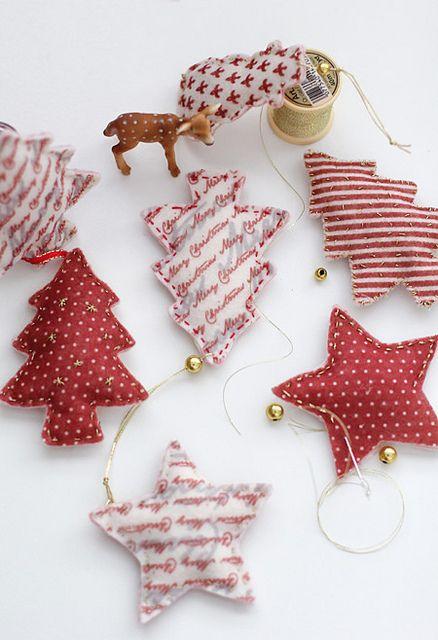 Felt Christmas Ornaments by cafe noHut, via Flickr Navidad