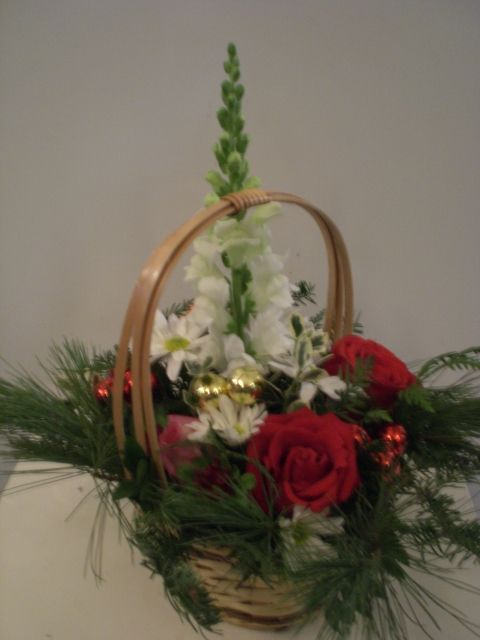 httpwwwunnycom christmas basket christmas basketschristmas decorationsmontreal