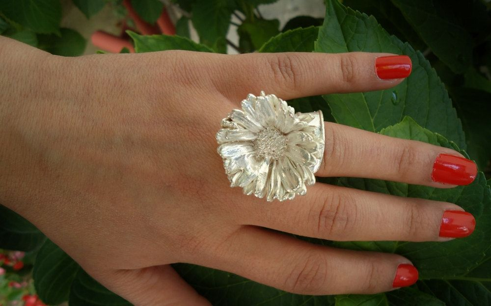 Silver ring from natural fresh wild daisy flower by ANEMONENATURALLE on Etsy