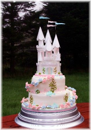 This Castle Makes An Ideal Topper For Cup Cake Stacks As Well Tiered Wedding Or Party Cakes Description From Rainbowsugarcraft Co Uk