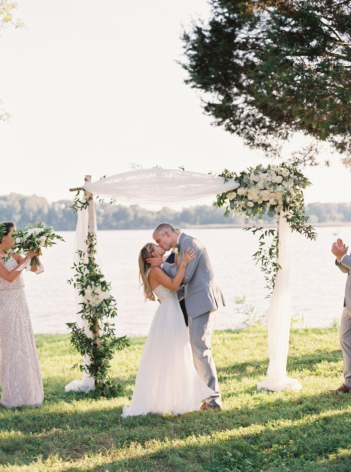 A Riverside Summer Wedding at Brittland Manor in