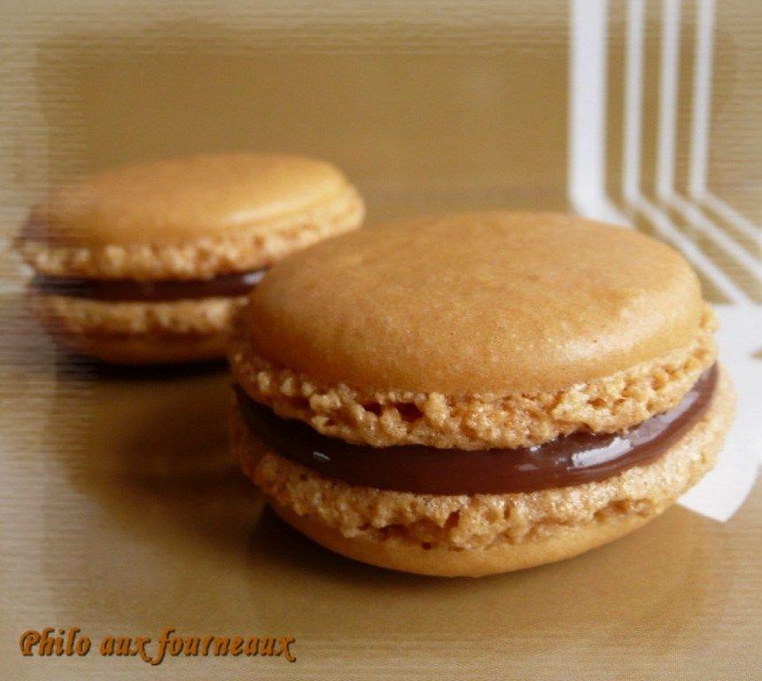 Les ami(e)s, je dois vous dire une chose ... ces macarons au Carambar  sont une pure tuerie !!!  Je suis certaine que vous n'en doutez pas ...