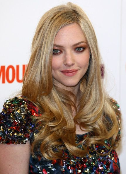 Look Of The Day Amanda Seyfried At The Glamour Women Of The Year