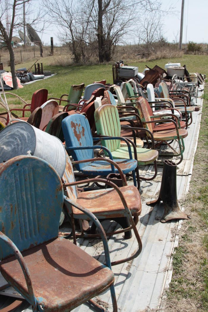old metal chairs tub big lots bearly makin it antiques marion kansas collectibles vintage lawn