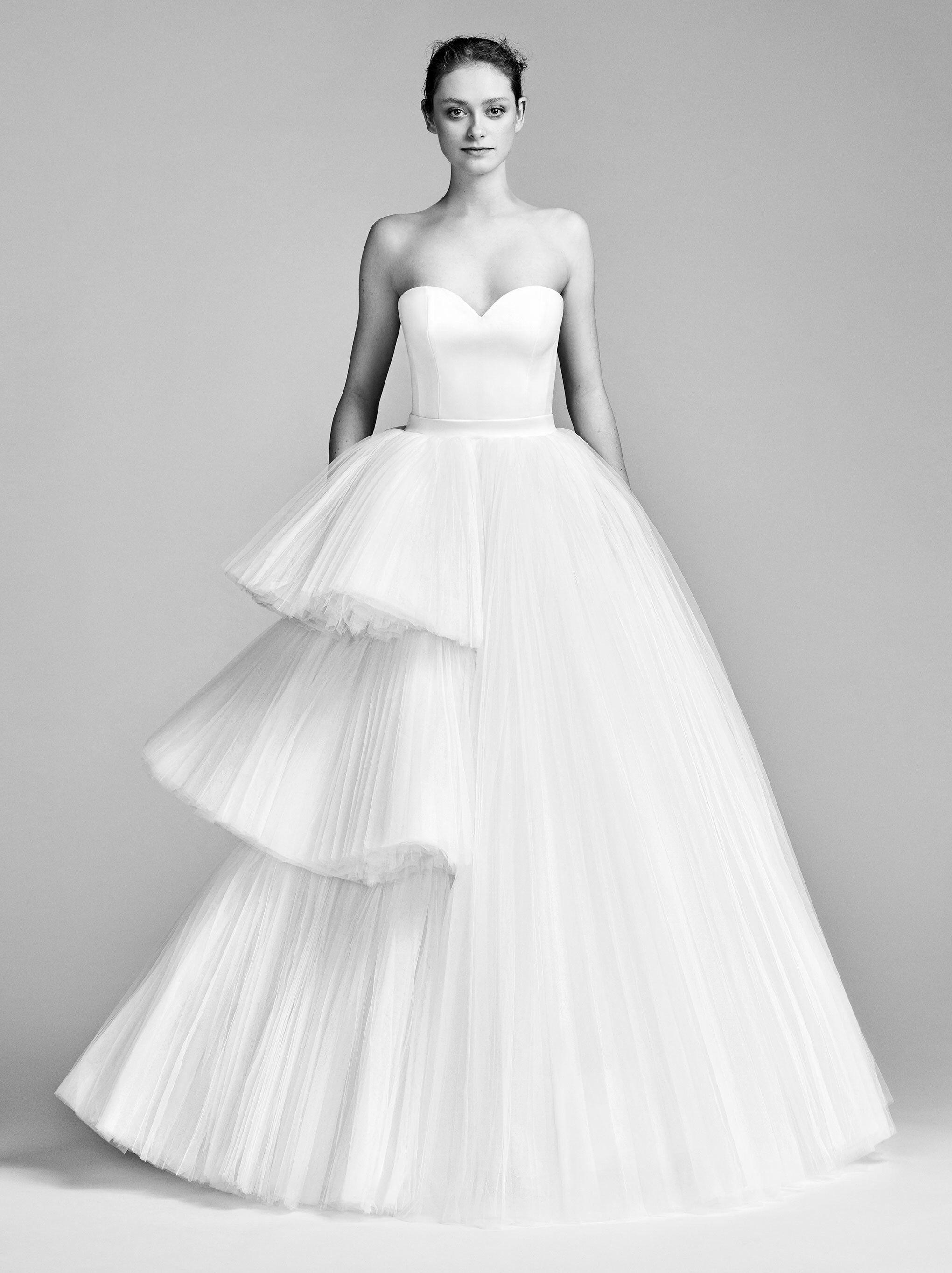 Viktor u rolf bridal spring fashion show spring skirts and style