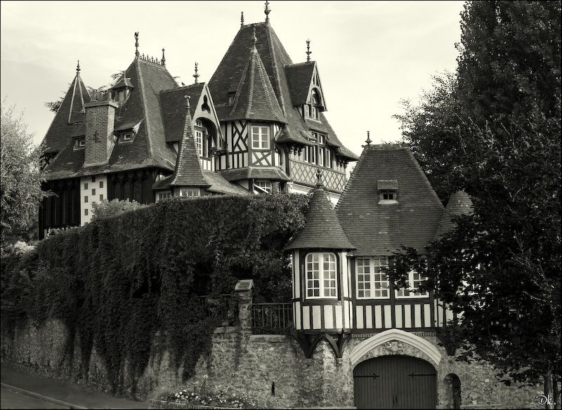 old manor French house Building, House styles, House
