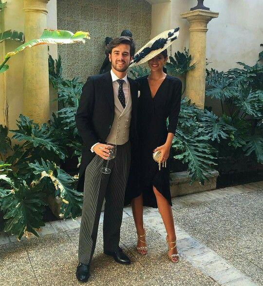 Complementos para vestido negro boda de dia