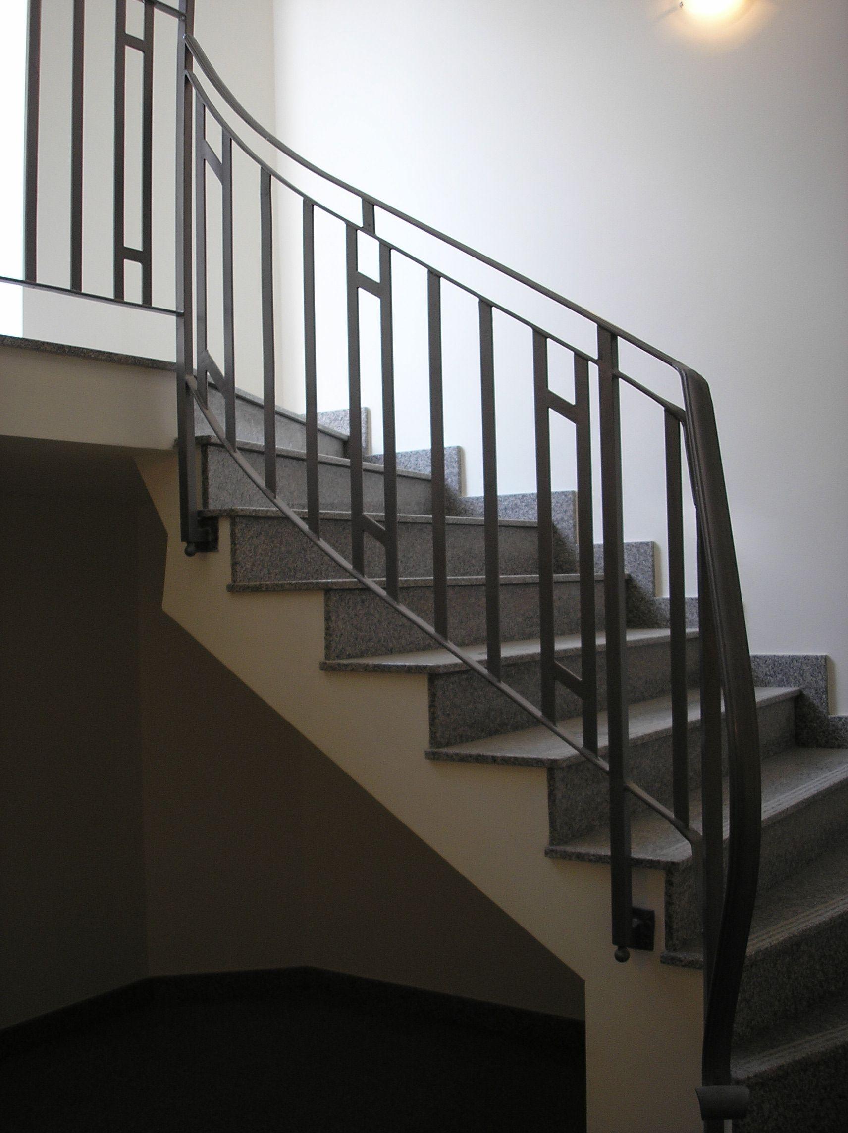 Treppengeländer aus Metall im Art Deco Stil