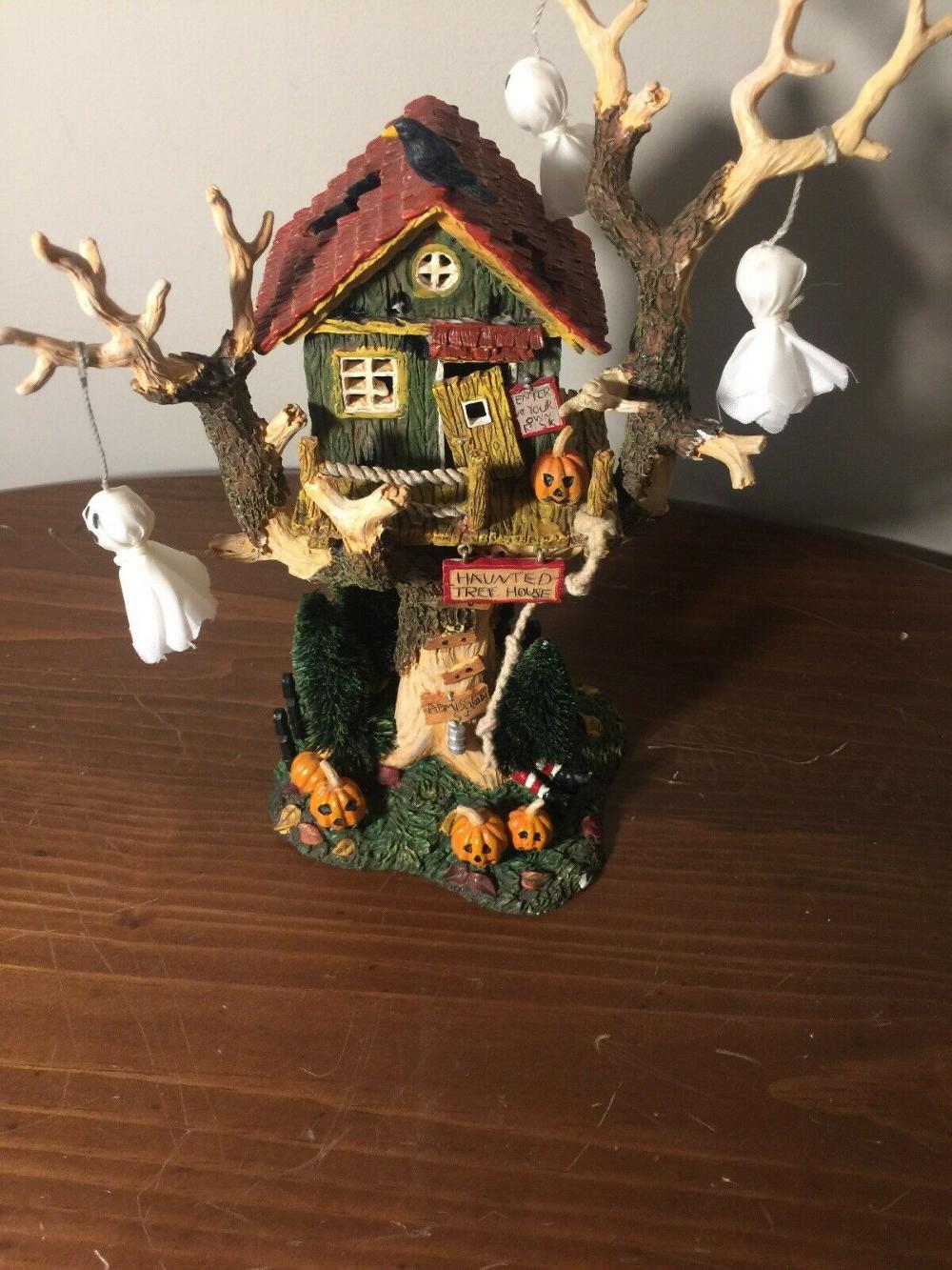 2001 Dept. 56 Halloween Village HAUNTED TREE HOUSE