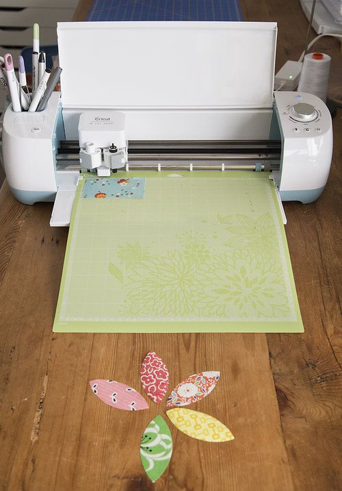 Cutting Fabric using a Cricut Explore Air #cricutexploreair2projects