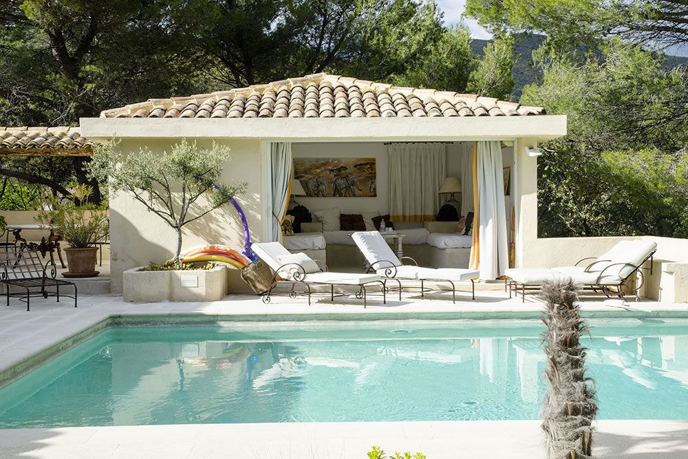 Pool house l 39 l phant du vaugines id e jardin - Piscine pool house des idees ...