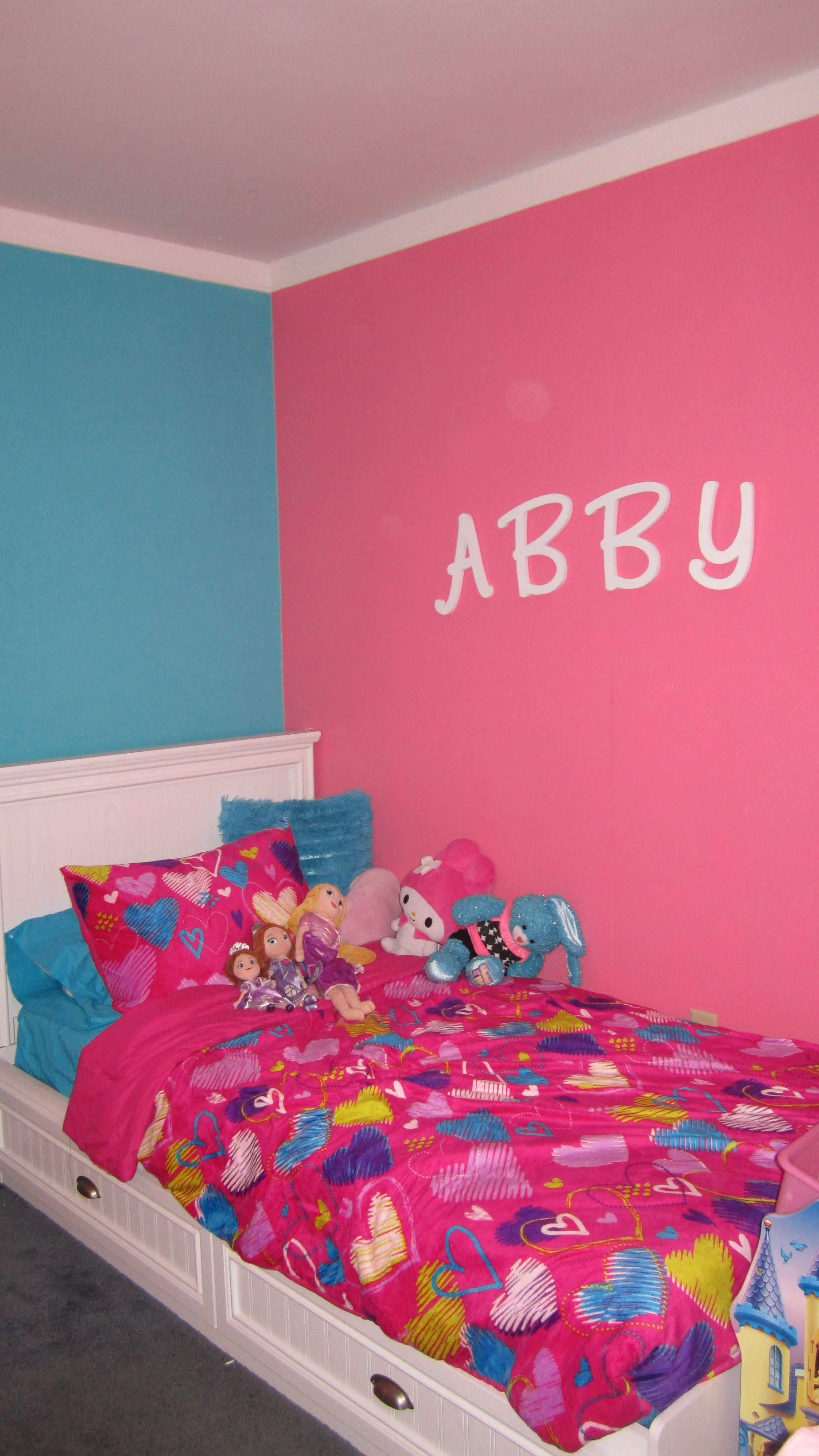 S Room Pink And Turquoise