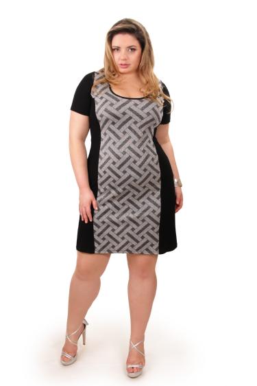 84d24d36cc Kauê Plus Size - Vestido curto em viscolycra com recorte frontal em lurex
