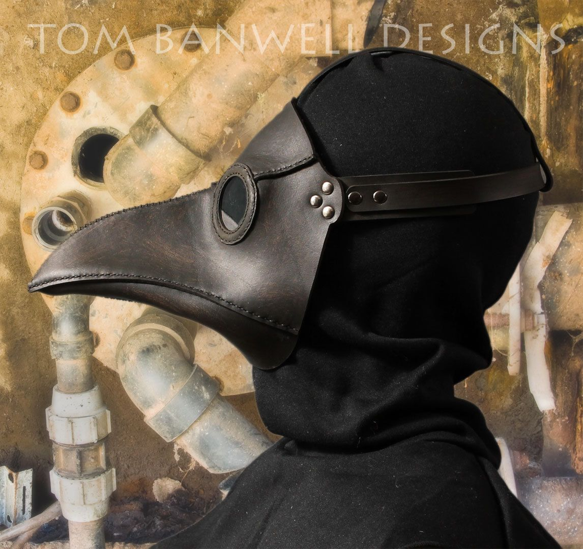 plague doctor 39 s mask in black leather classic. Black Bedroom Furniture Sets. Home Design Ideas