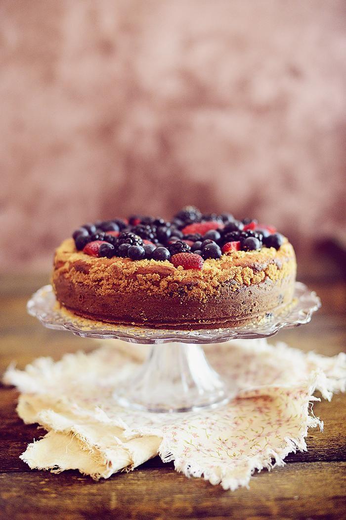 Berries Crumble Cake made with Greek Yogurt