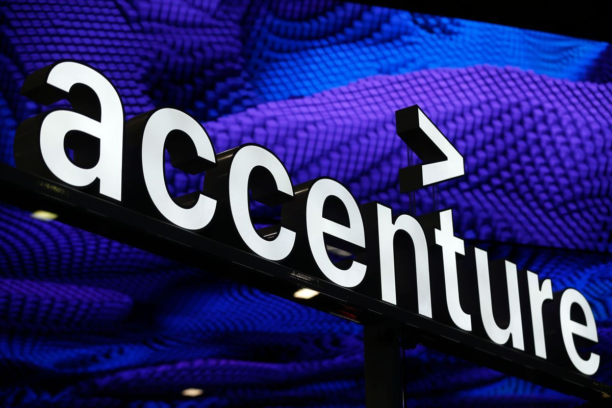 No Late Calls Fewer Friday Meetings As Accenture Tackles Stress Consulting Firms Growth Strategy Consulting